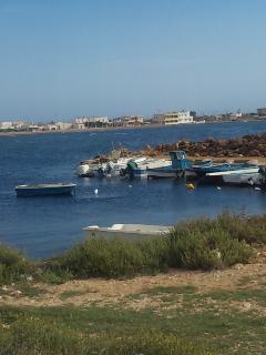 シチリアの海沿いのレストラン